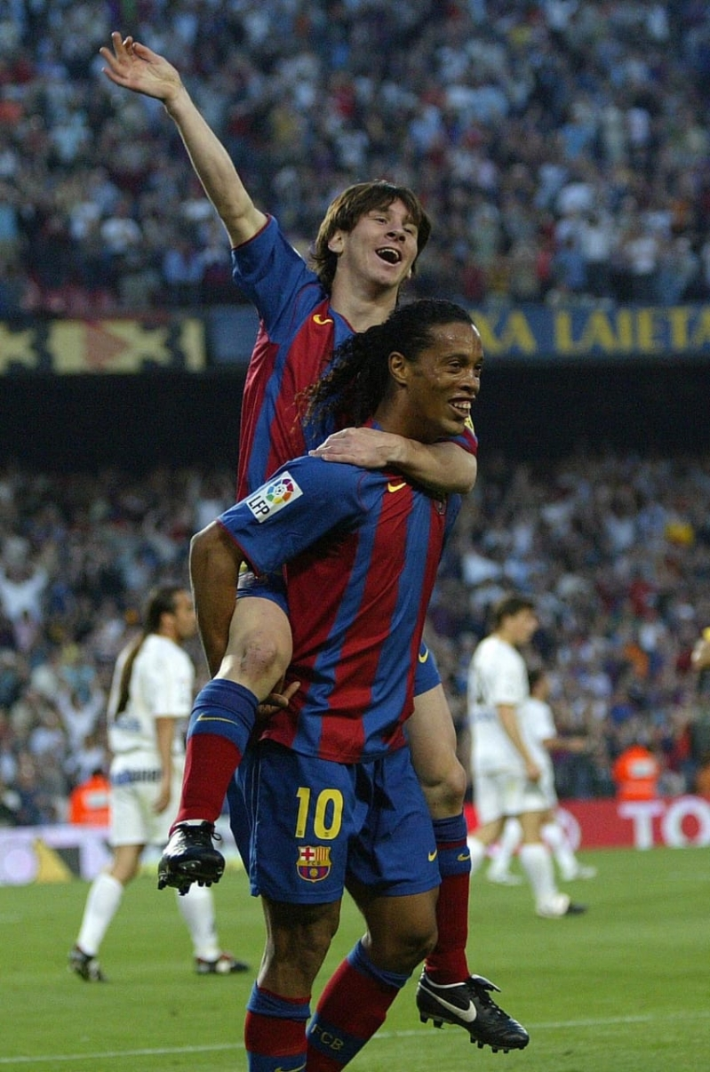 First Goal Celebration Of Goat Lionel Messi Ronaldinho Wallpapers Messi