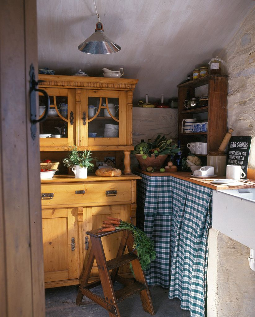 5 Tips For A Cottage Kitchen Interior: ~ ~English Country Cottage