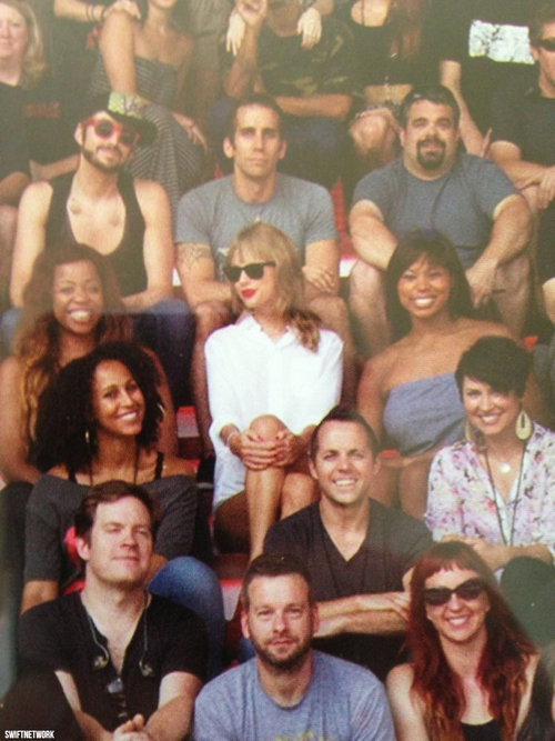 Taylor and her band.