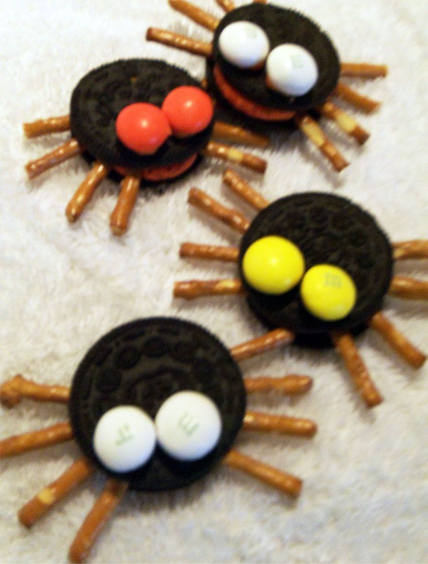 cute little spider cookies great for fall treats or parties