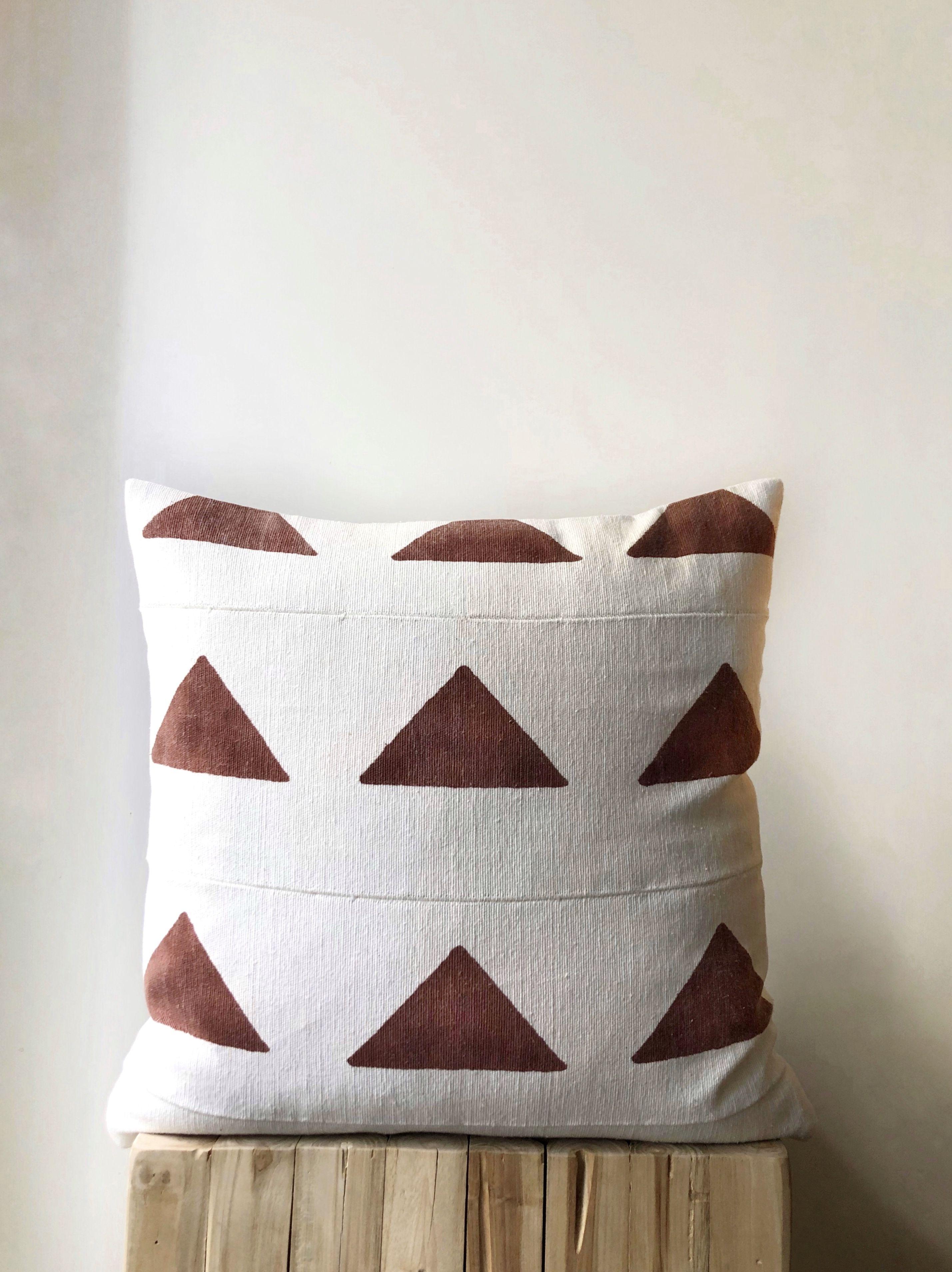 African Mudcloth Cushion With Rust Triangle Block Print Etsy Interiordesign Bohodecor Bohopillow Mudclo African Mudcloth Pillow Mud Cloth Mudcloth Pillow