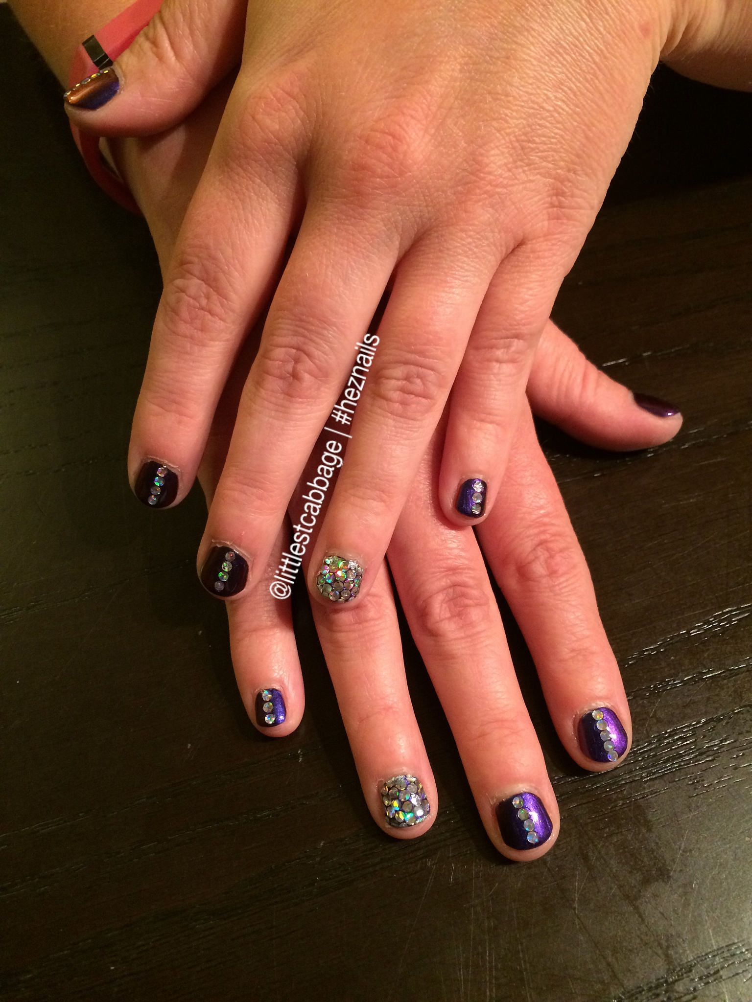 Blingy Vegas Nails (Glitter Placement) (With images