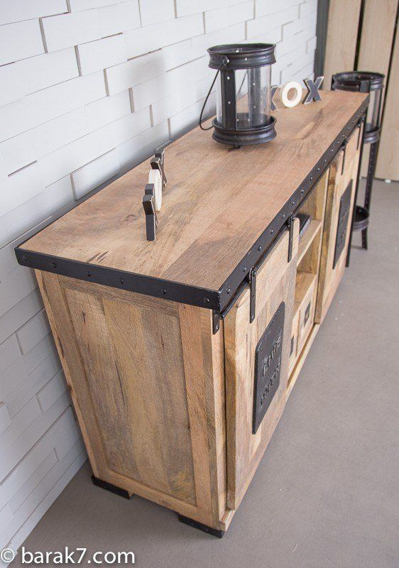 Buffet Industriel Live With Character Deco Salon Industriel Buffet Industriel Et Relooking De Mobilier
