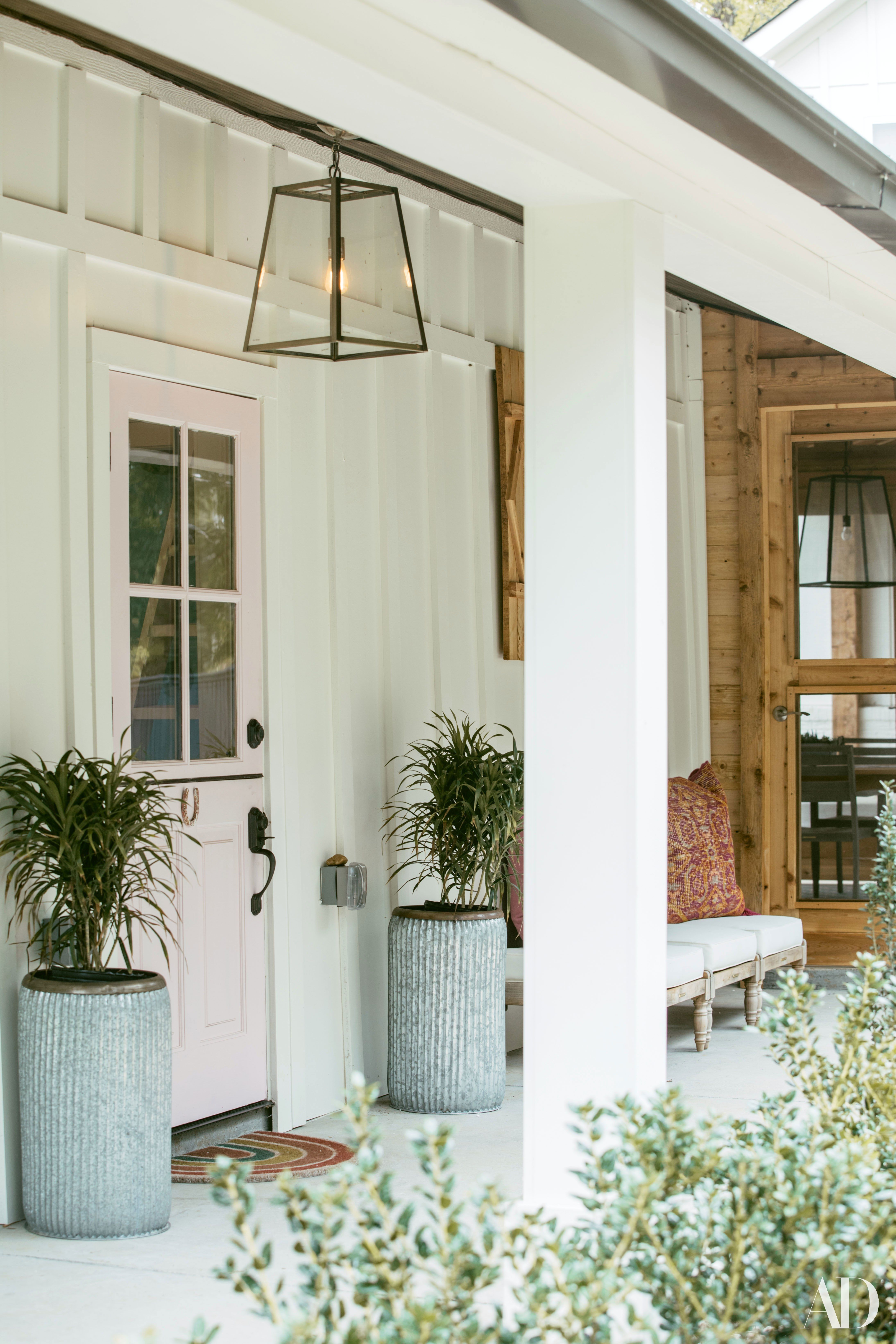 See How Tish Cyrus Transformed Her Family S New Home Base Dutch Doors Exterior Beach House Interior Design House Exterior