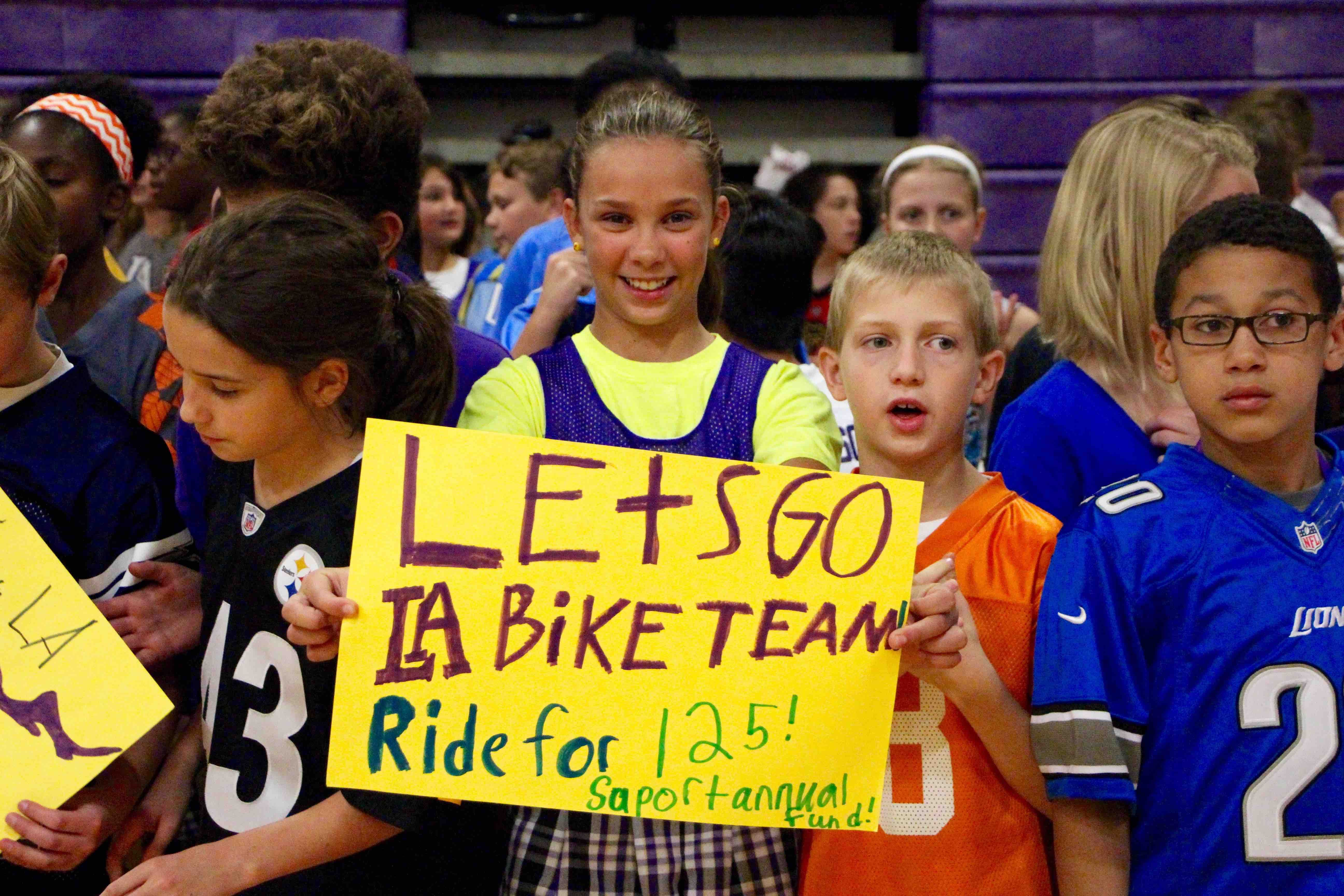 Students prepare to send off Ritchie Pickens and his team for their Ride for 125 to support the Annual Fund!