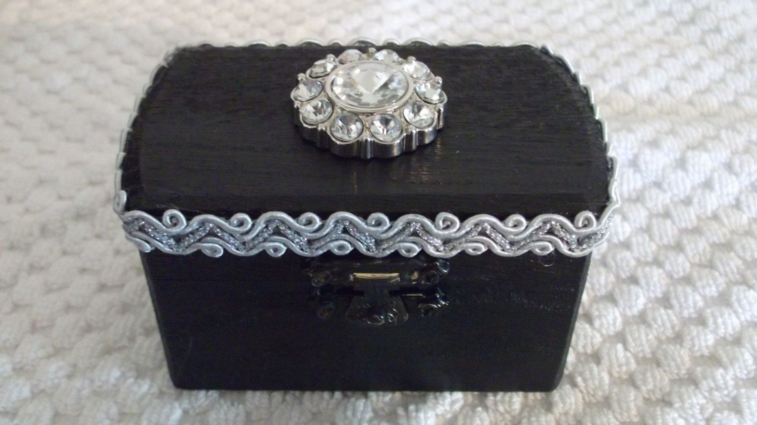 BLACK FRIDAY SALE Black Wedding Ring Pillow Box with by vlpurses