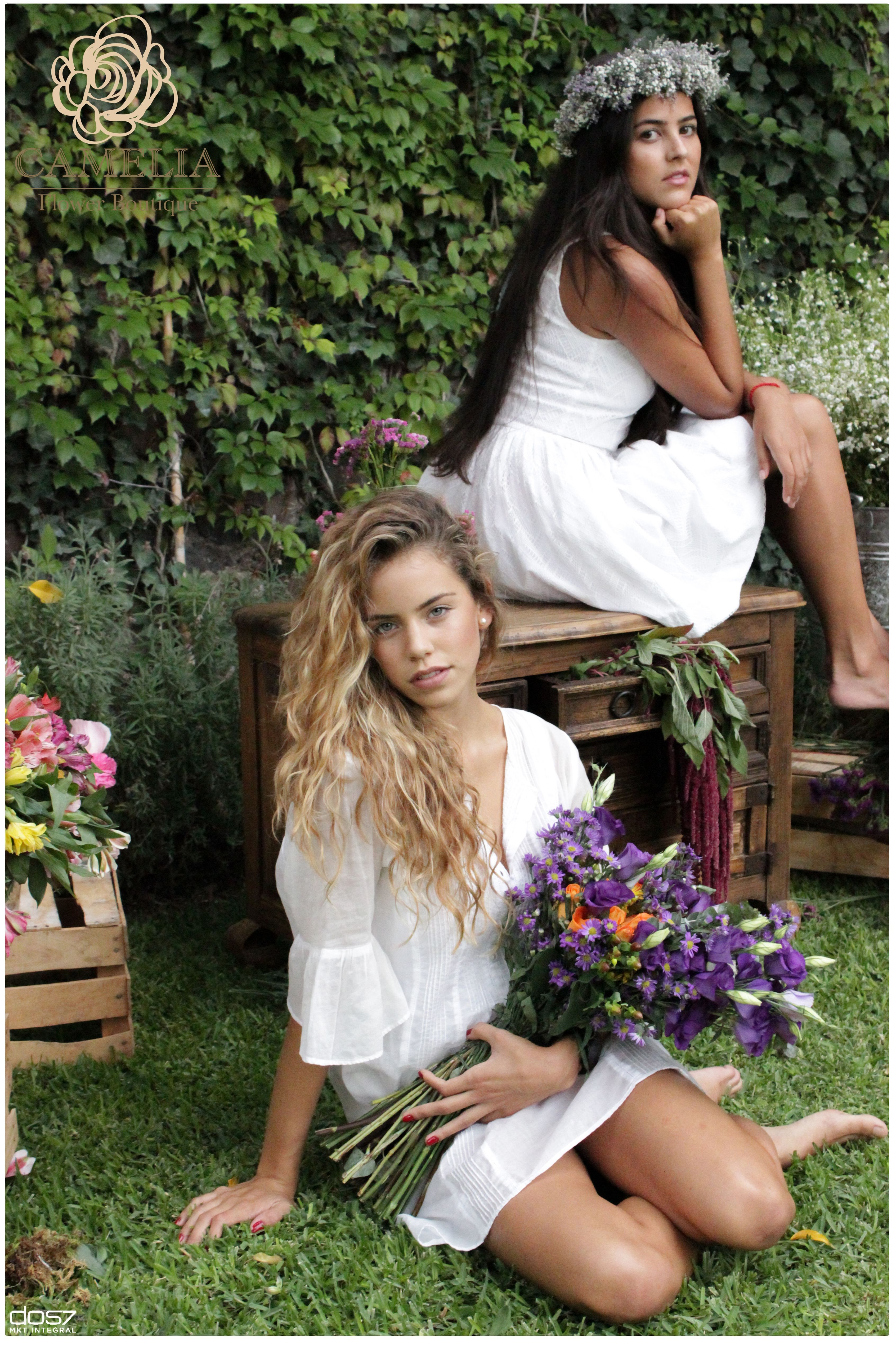 Corona De Flores Para La Cabeza Flores Verano By Camelia Flower Boutique White Dress Hair Accessories Wedding