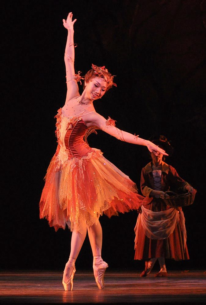"Akane Takada as Autumn in ""Cinderella"" (Royal Ballet). Photo by John Ross"