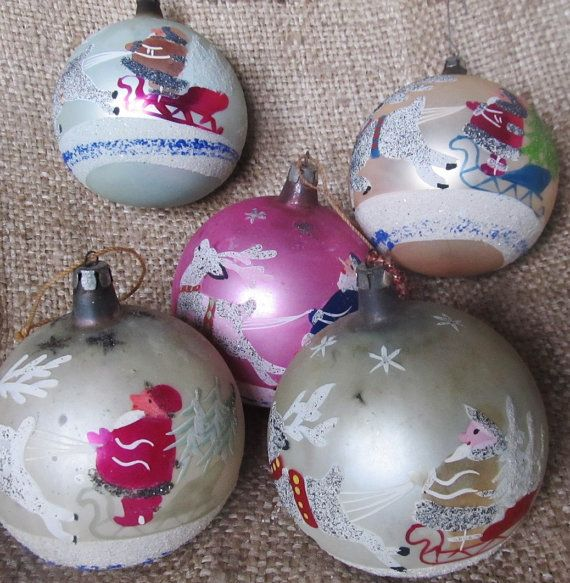 Vintage Lot Of 5 Large Christmas Ornaments Made In Poland Etsy Large Christmas Ornaments Christmas Ornaments Christmas Crafts Decorations