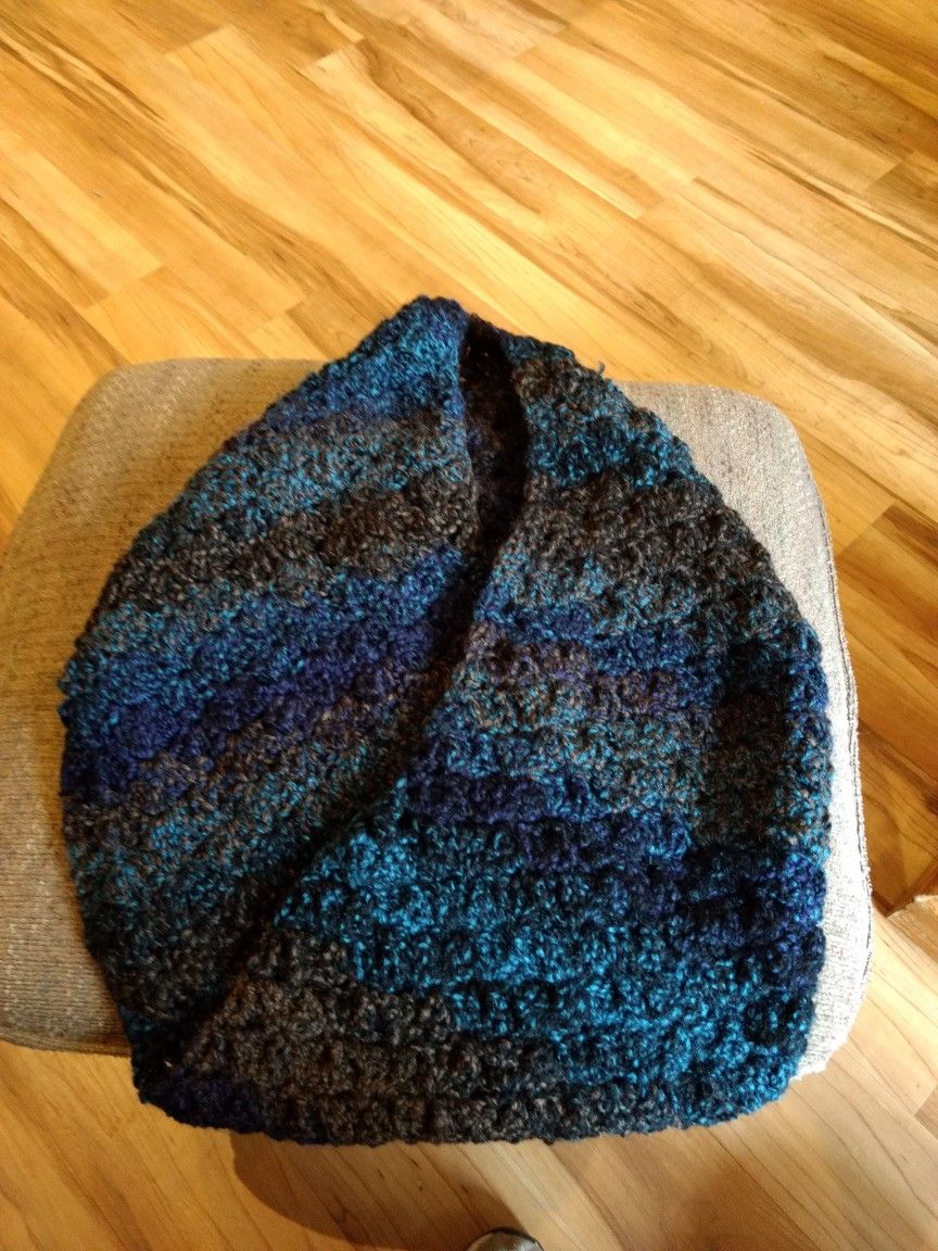 Mobius cowl made with Barcelona (Loops and Threads) yarn