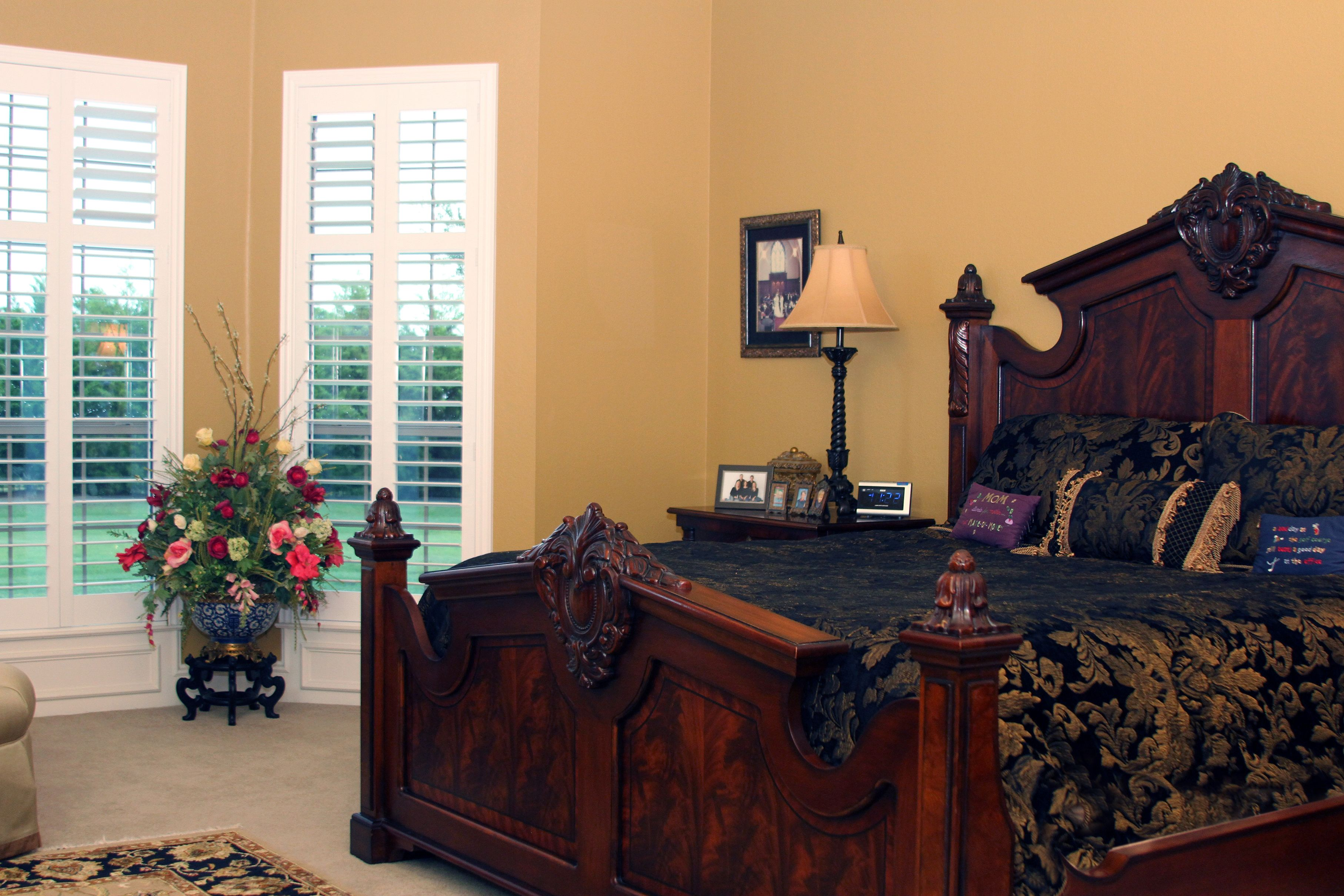 Rich medium gold walls bask a warm glow in this luxurious