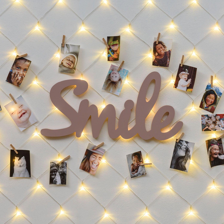 Bacheca portafoto luminoso da parete con rete di luci led per farti sorridere sempre