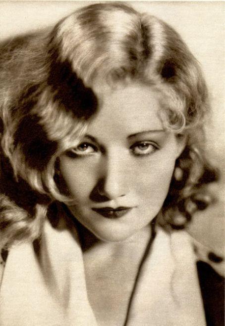 Dorothy Gibson, Harrison Fisher model and Titanic survivor