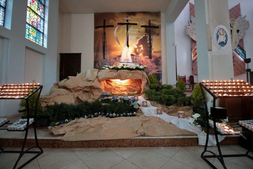 Groby Panskie W Obiektywie Ekai Pl Church Decor Altar Decorations Decor