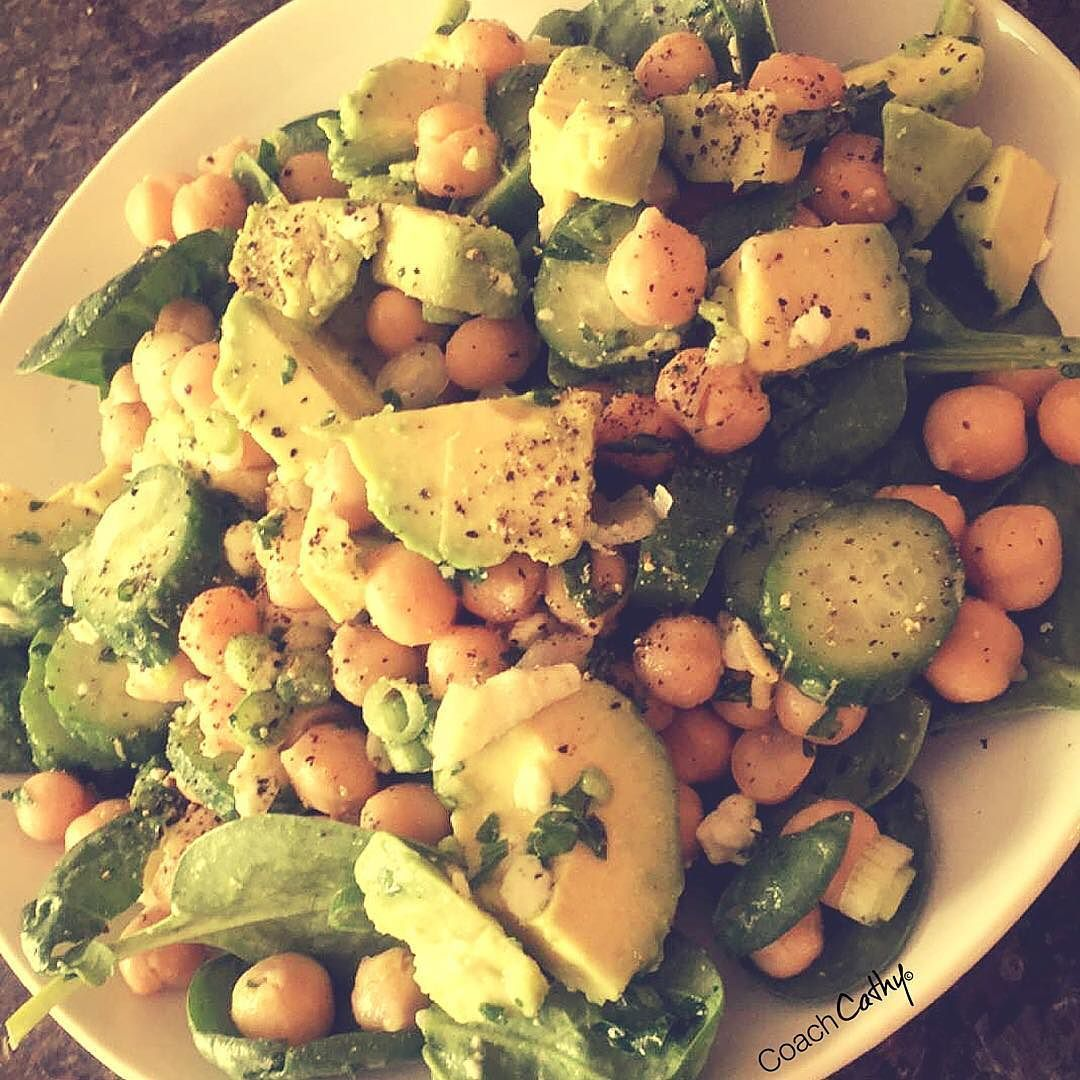 I saw this recipe come through my feed and knew I needed to make it for lunch.  Chickpea avocado and spinach salad. #delicious