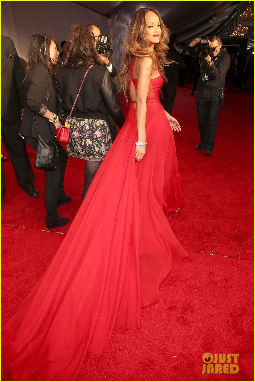 Rihanna - Grammys 2013 Red Carpet | Rihanna red dress ...