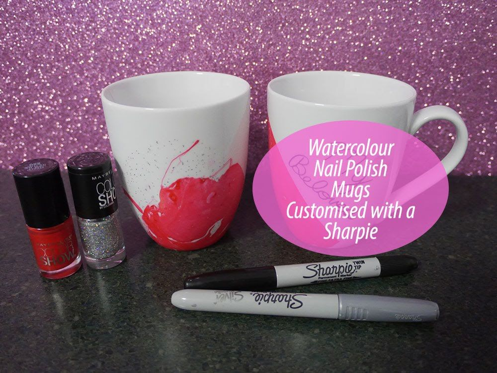 A Whole New Meaning To Nail Polish Art Did You Know You Can Make Marbled Mugs Using Nail Polish And Wa Diy Nail Polish Nail Polish Marbling Nail Polish Crafts
