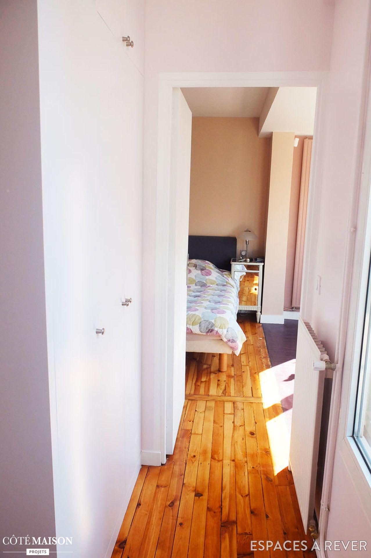 les couleurs pastel conf rent beaucoup de gaiet cette maison r nov e dans le couloir le. Black Bedroom Furniture Sets. Home Design Ideas