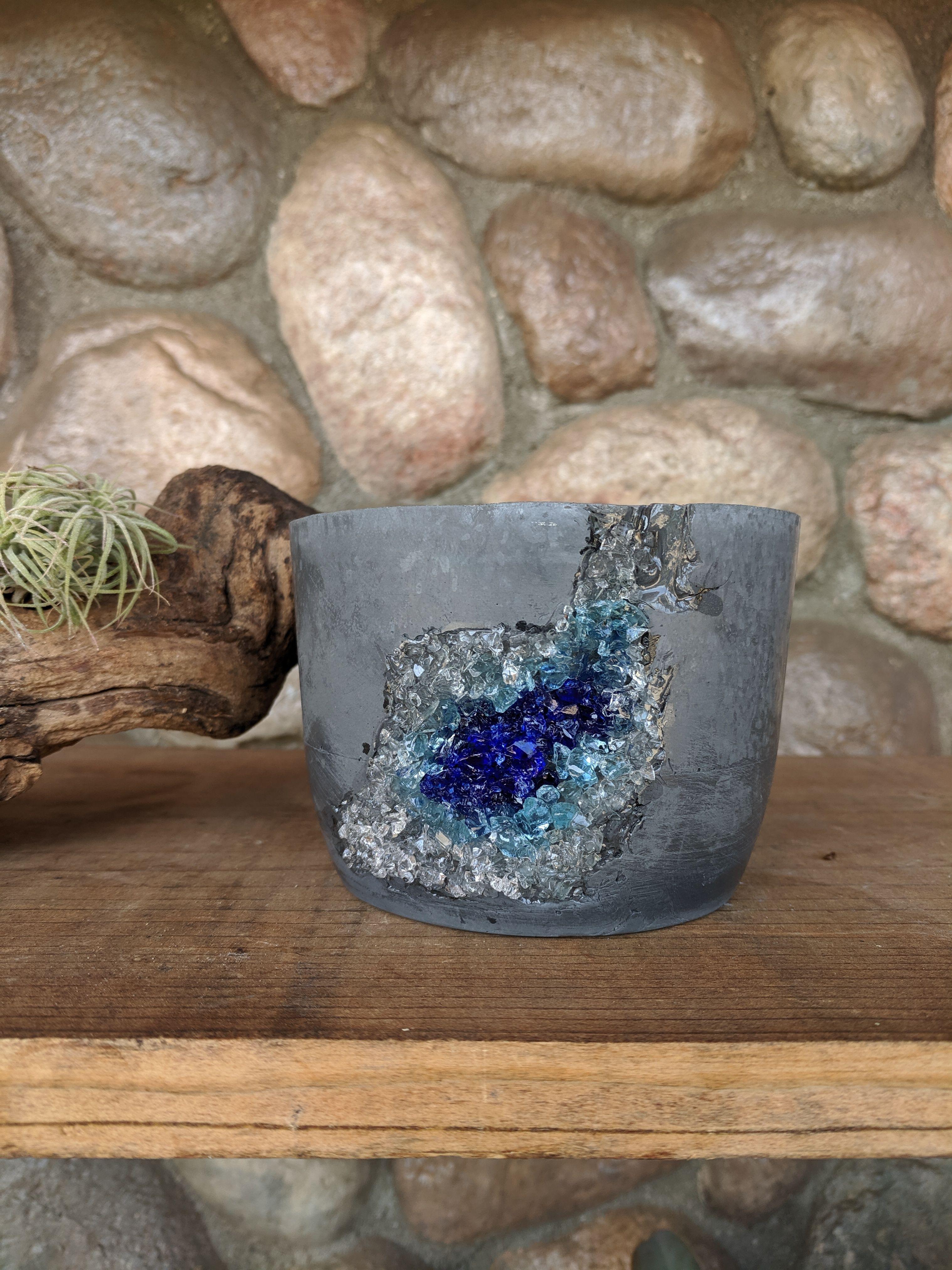 Geode Pot -- Concrete Pot #geodeart #geodepots #crystalpot ...