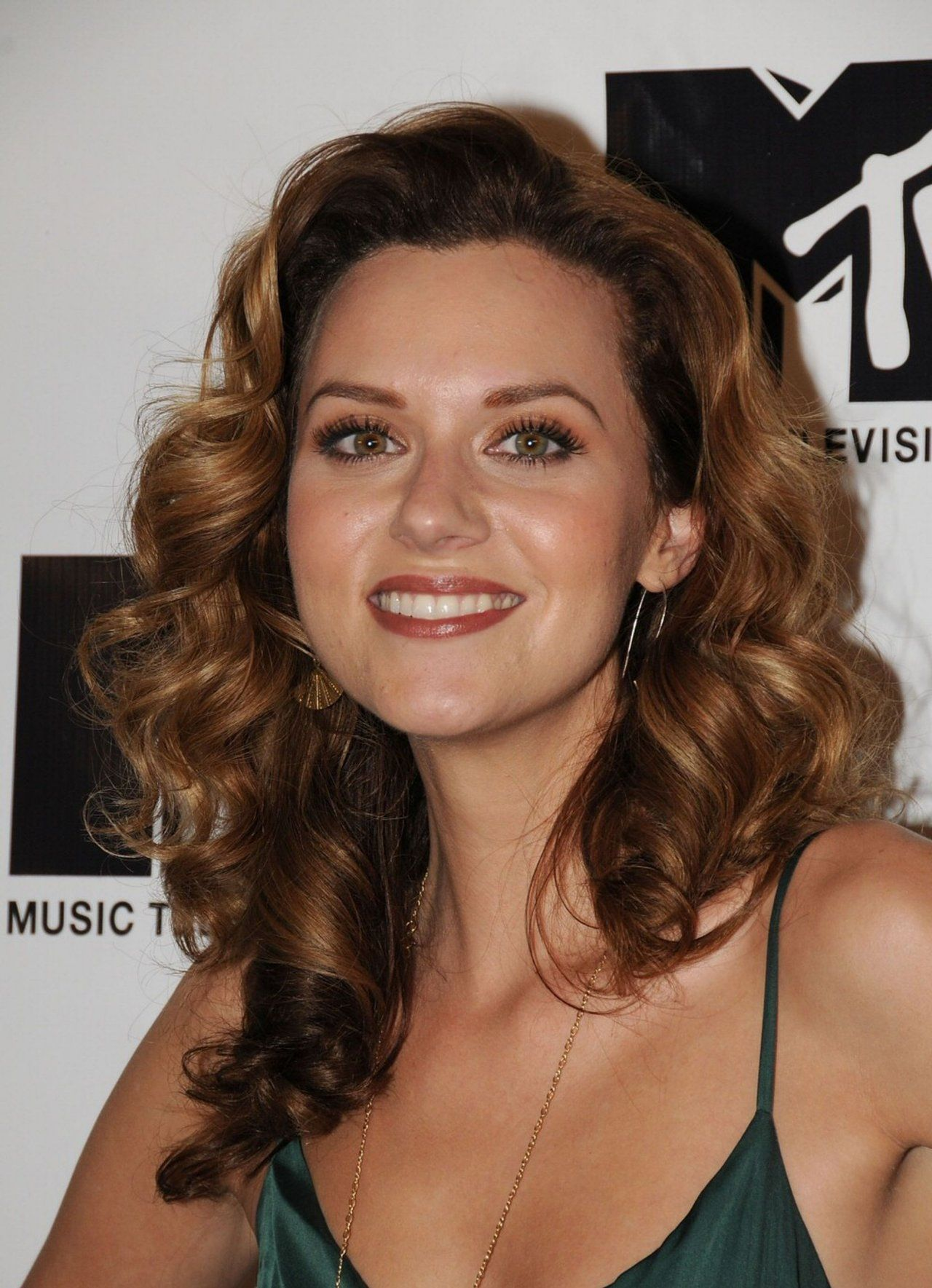 hilarie burton | but for now, we are young and beautiful ... Hilarie Burton