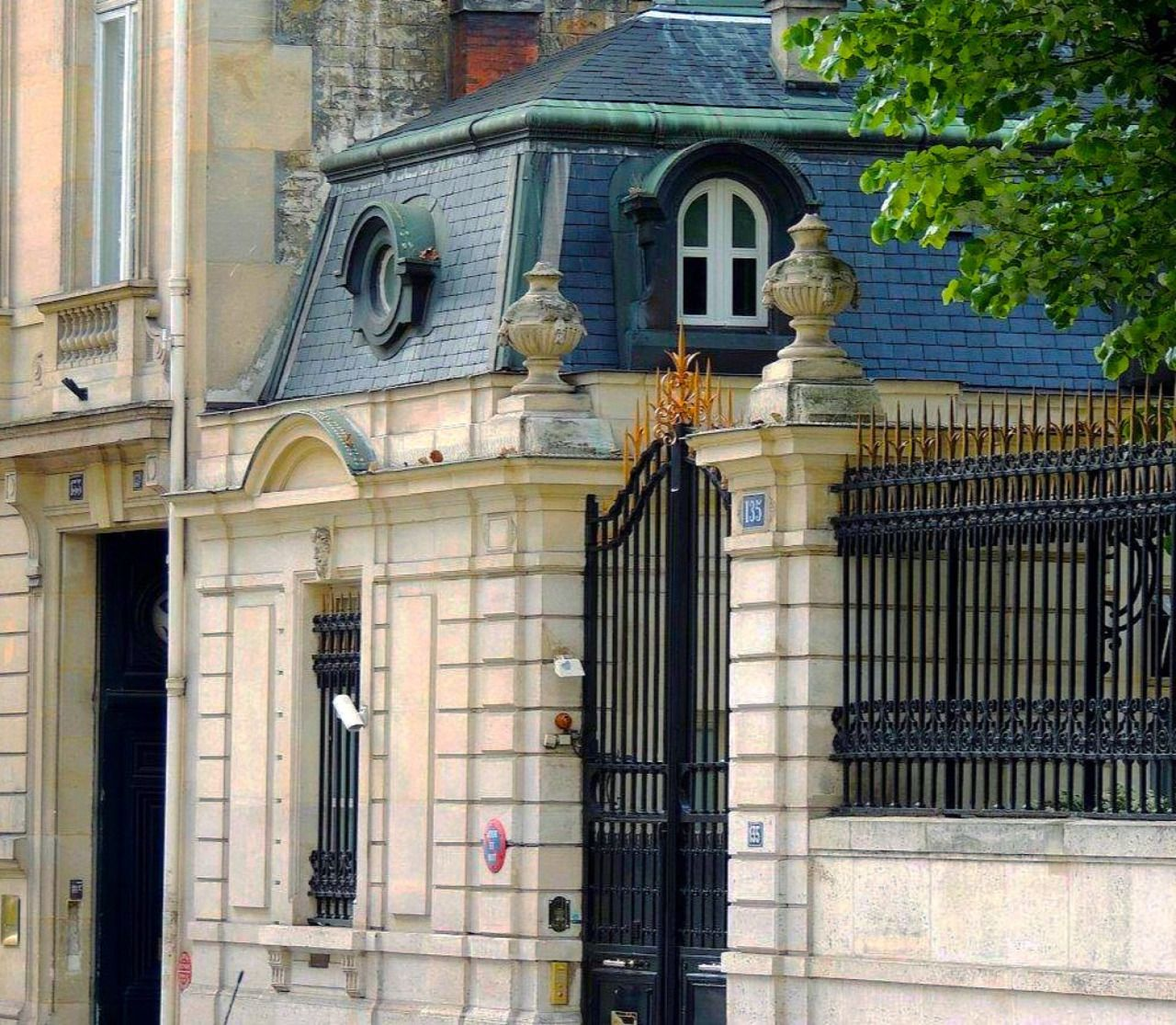 Small Luxury Homes: Why Not A Small French House Out Of
