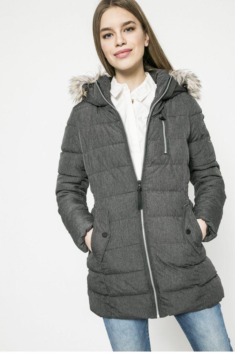 Cauta? i jacheta lunga pentru femei
