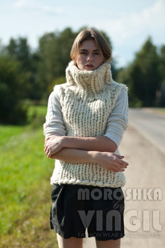 f7e47d9389 Chunky knit sweater. Extreme bulky yarn sleeveless sweater. Super chunky knit  turtleneck. Knitted