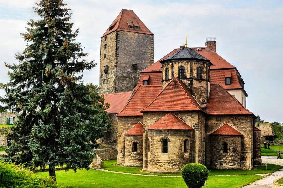 Blick auf die zur Burg Querfurt gehörende Kirche. Konnte