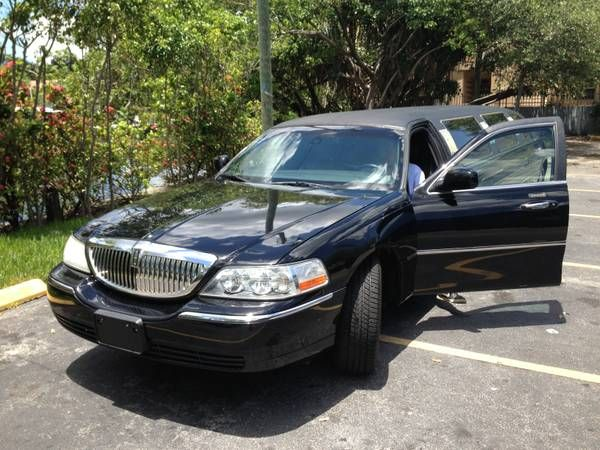 Make Lincoln Model Town Car Year 2006 Body Style Luxury Cars