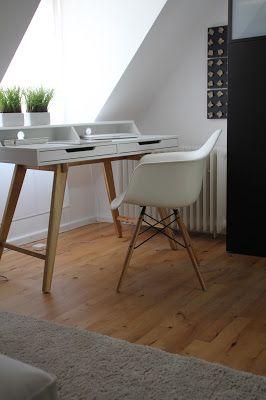 endlich ist er da mein neuer kleiner schreibtisch deko hoch drei office pinterest desks. Black Bedroom Furniture Sets. Home Design Ideas