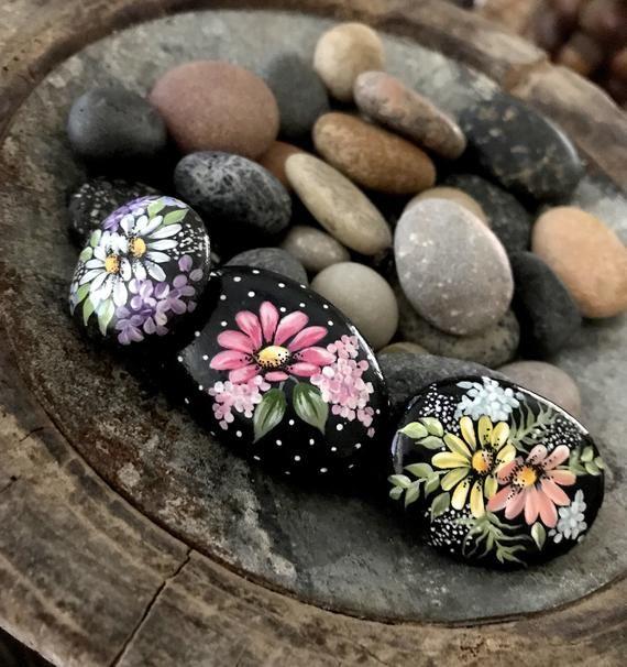 Photo of Painted Rock Trio, Mini-Set, Flower Rock, Gartenfelsen, Geschenkfelsen, handgemalte Felsen