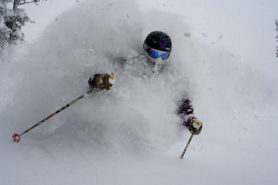How To Ski Deep Powder Aka The Tao Of Pow Outthere Colorado Skiing Colorado Skiing Powder Skiing
