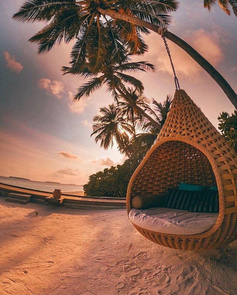Maldives جزر المالديف A M J E Y Y سفر سياحة مناظر طبيعية رحلات فنادق حجوزات فرنسا Holiday Beauty Maldives Vacation Modern Interior Decor