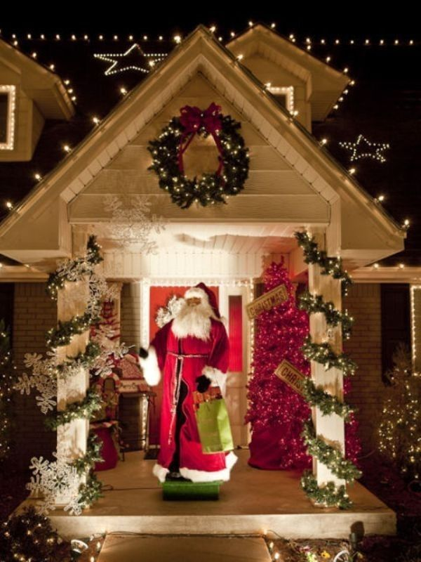 91 Adorable Outdoor Christmas Decoration Ideas In 2020 Hanging Christmas Lights Christmas