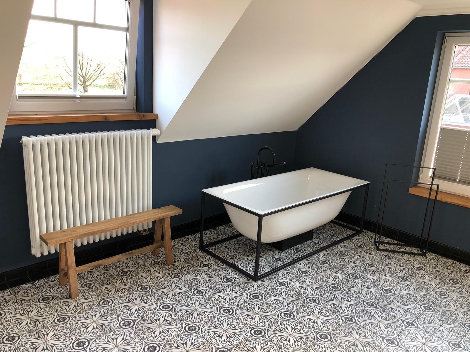 Badezimmer Im Industriedesign Fliesenraum Ihre Fliesenausstellung In Wurzburg Fachgeschaft Fur Fliesen Industriedesign Industrie Badezimmer Badezimmer