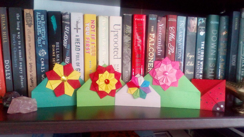 Flower and Ladybug Corner Bookmark di TheOtherBookmark su Etsy