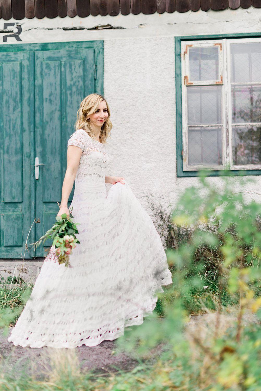Pin von Sabine Mösenbacher auf Brautkleider gehäkelt - crochet ...