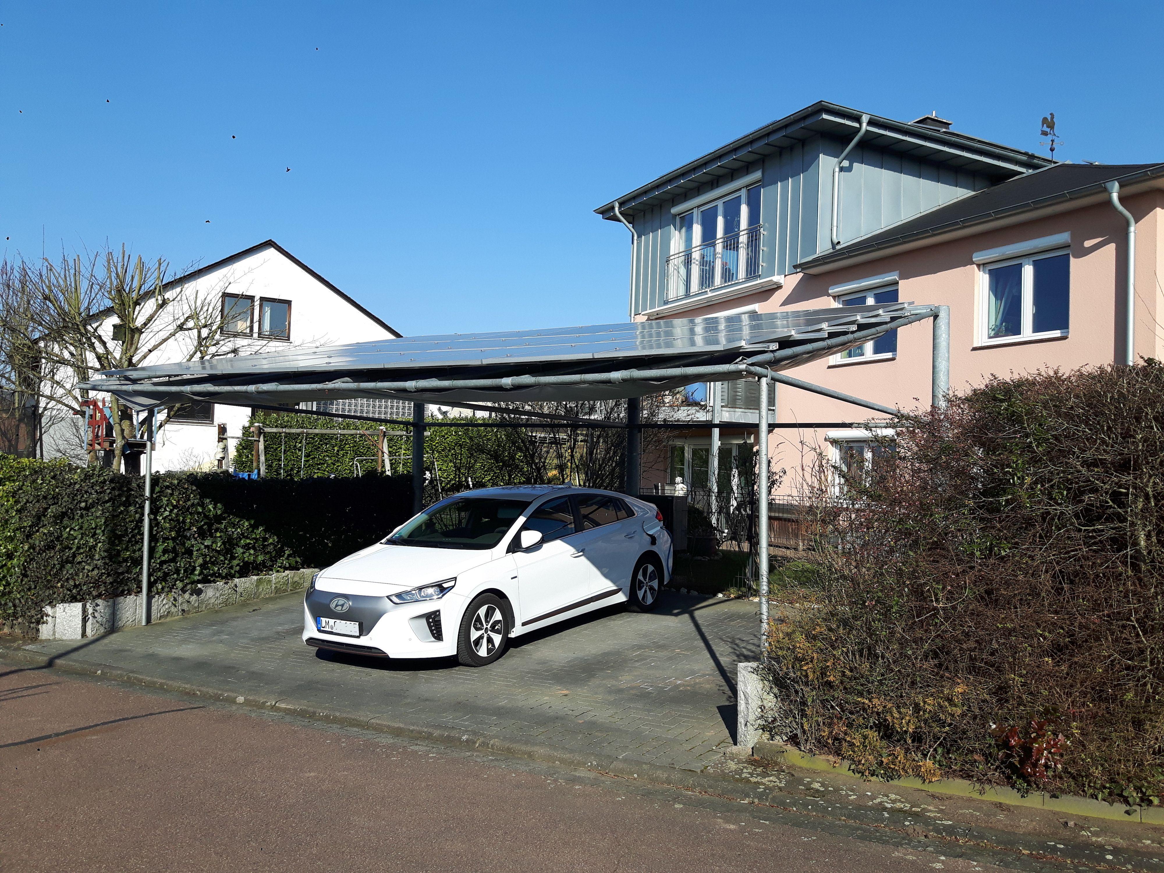 Carport Mit Solardach Preis Auf Anfrage Solar Carport Uberdachung Elektroauto Hybrid Parkbereich Garten Wohnmobil Plug In Aut Carports Solar Carport