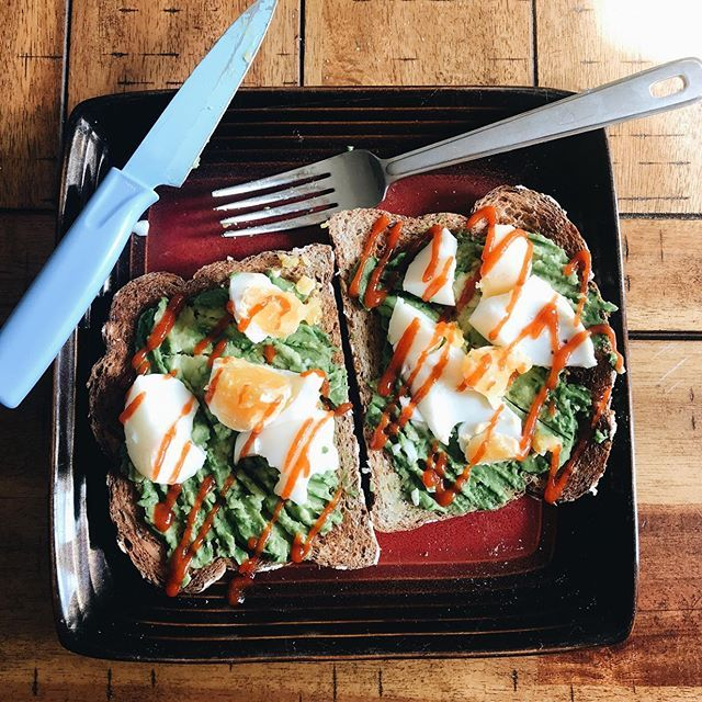 Am I even a millennial if I don't have avocado toast with sriracha? . . . . .