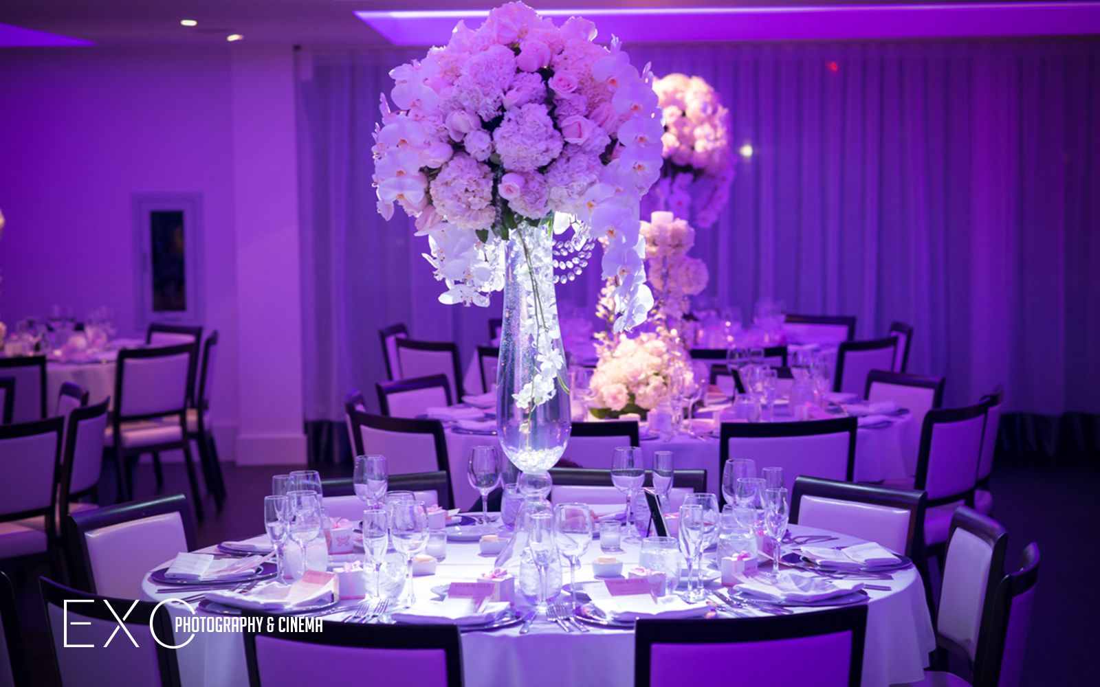 Photos from Harbor Club at Prime taken by @EXO Photography www.exophotograph...  @Brian Flowers  White flower centerpiece and white wedding cake #flowersbybrian #whiteflowers #whiteflowercenterpiece #harborclub #harborclubatprime #sushi #weddingcaterer #longislandvenue #modernlongislandvenue