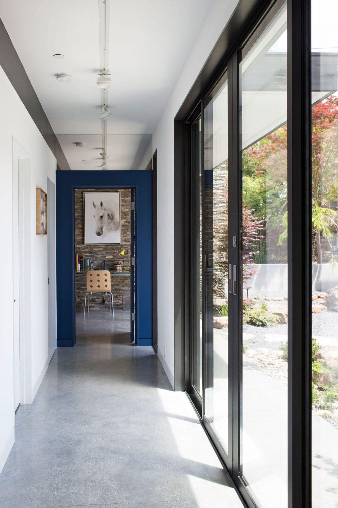 Modern Atrium House by Klopf Architecture (19)