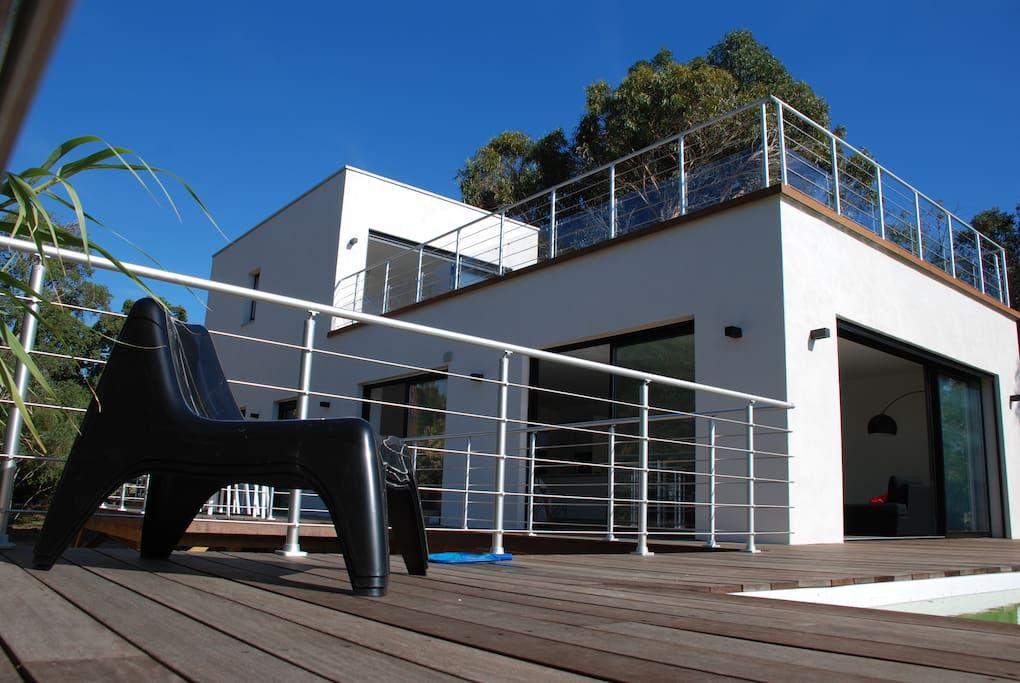 Villa avec piscine chauffée plage à 400m Häuser zur