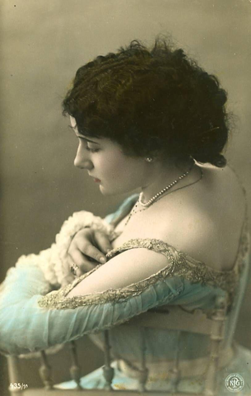 Lina Cavalieri about 1900