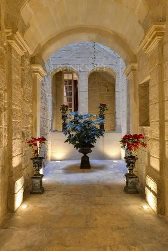 Beautiful entrance in townhouse in Senglea