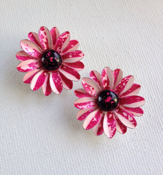 Shabby chic magenta enamel flower earrings by KarelianStAntiques, $15.00