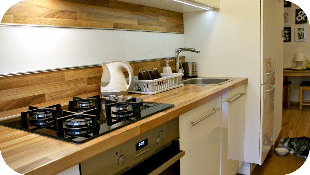 Zdjecie Nr 1 W Galerii Mieszkanie Z Lozkiem W Roli Glownej Home Decor Home Kitchen Cabinets