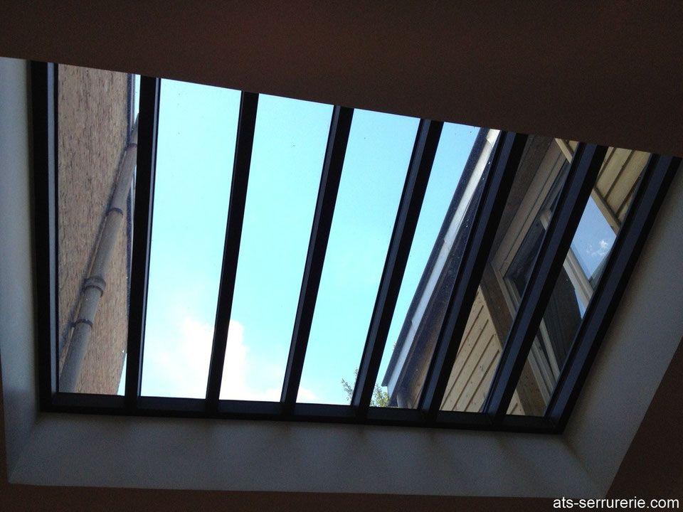 Verrière de toiture en acier pour un puit de lumière | Verriere de toit, Toiture en acier ...
