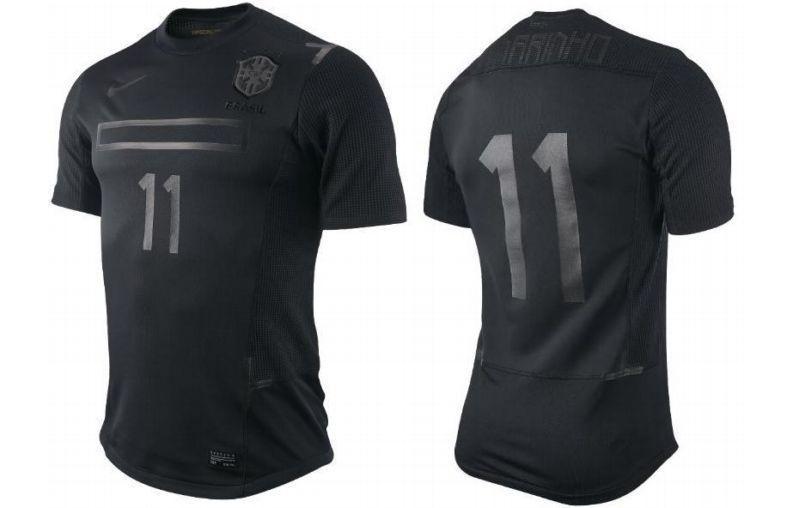 Nike Brasil shirt, all black style for Selecao!