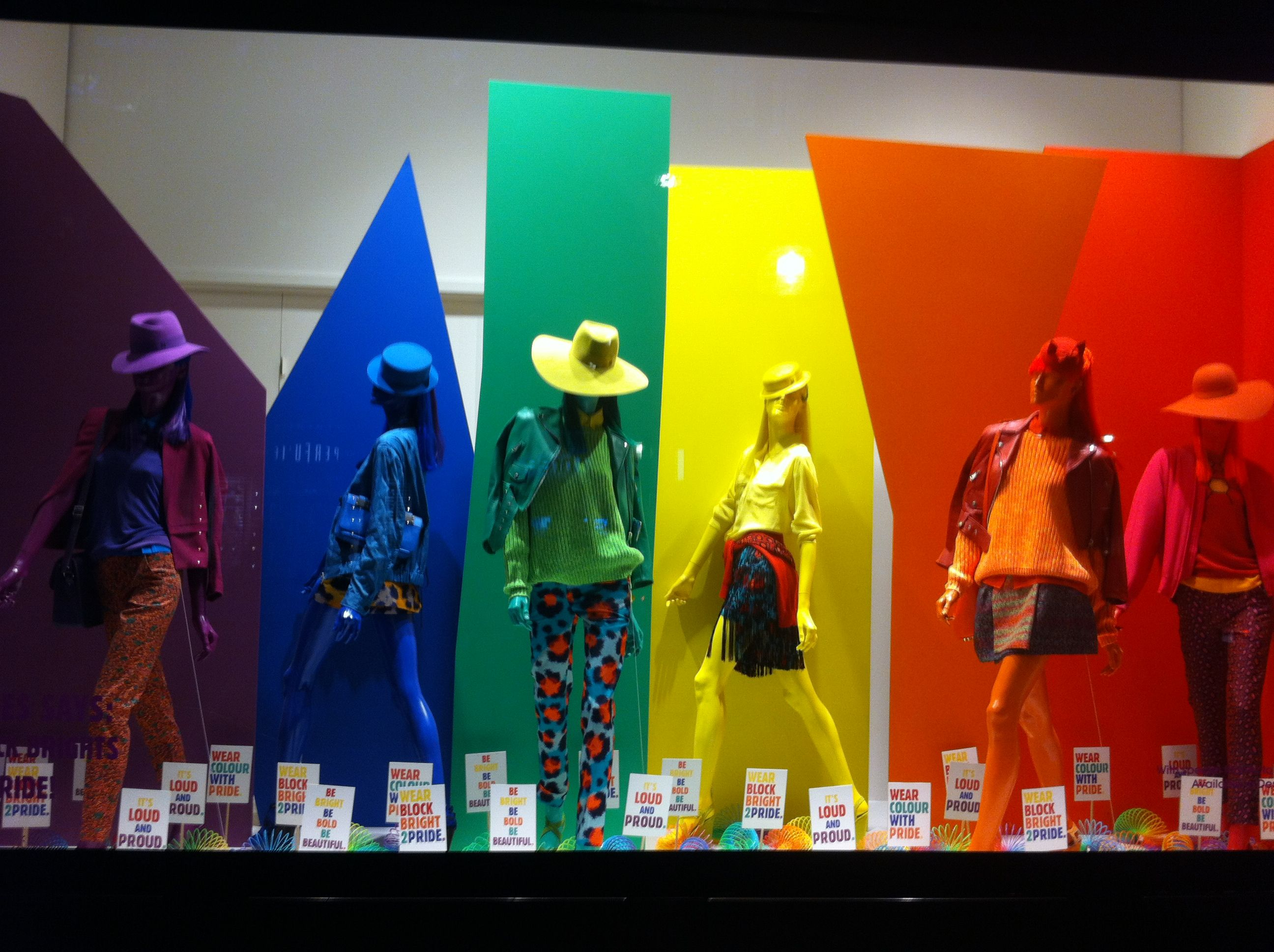 Maniqui Escaparate Pin De Patricia Alberca En Visual Merchandising