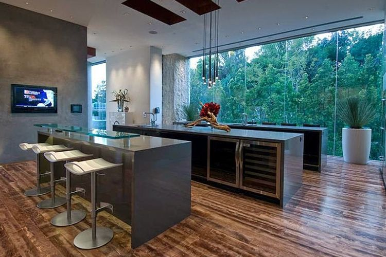 I Love The Wood Floors Here Bill Gates S House Inside Celebrity Homes Ultimate Party House